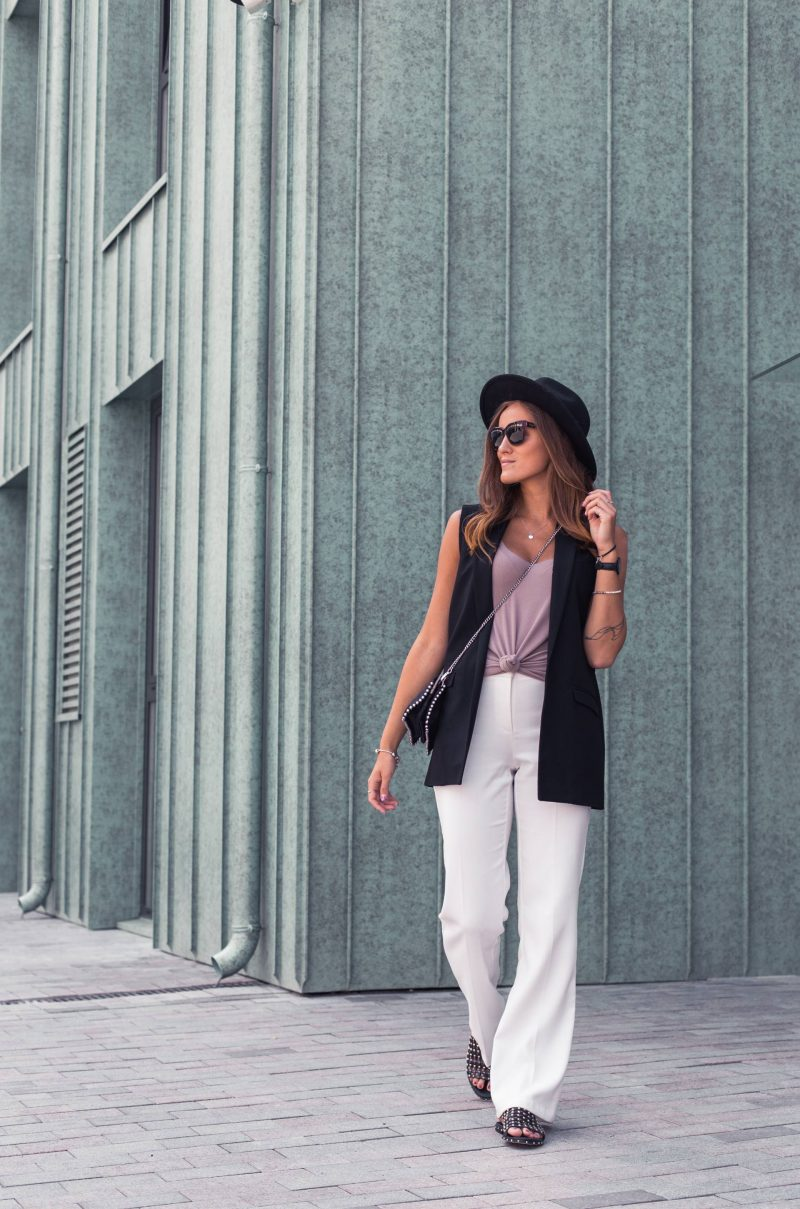 Outfit of the day: classic white pants & Monaco vibes