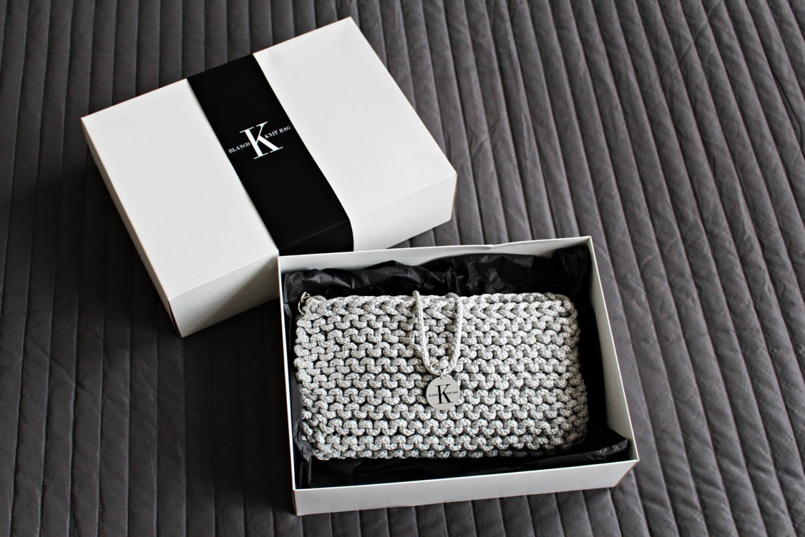New in: Karikartel Blanco Knit Bag